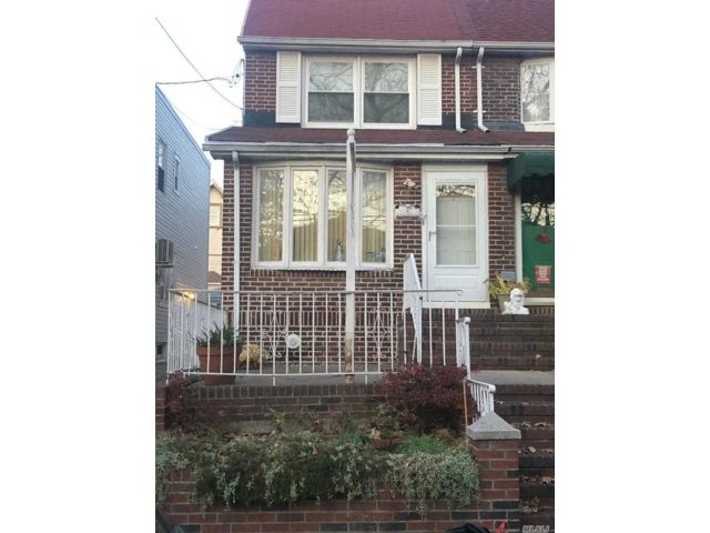 3 BR,  1.50 BTH 2 story style home in Dyker Heights