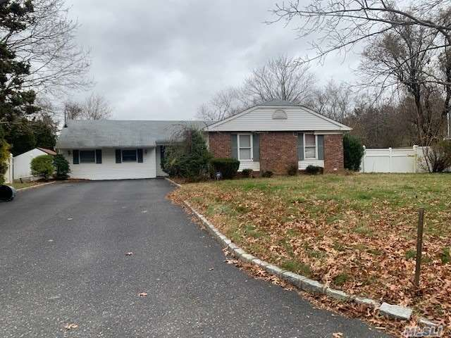 3 BR,  1.50 BTH Ranch style home in Ridge