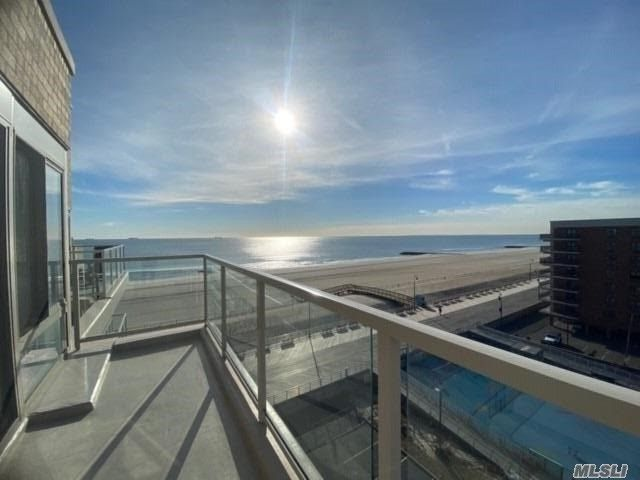 [Long Beach Real Estate, listing number 3096079]