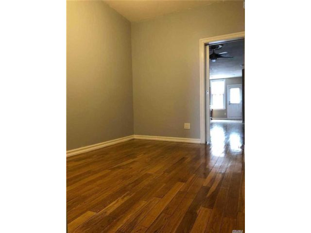 2 BR,  1.00 BTH Apt in house style home in Glendale