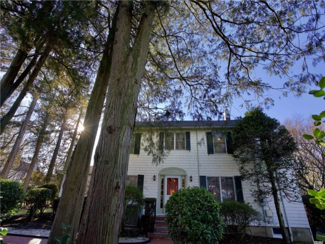 3 BR,  3.50 BTH  Colonial style home in Port Washington
