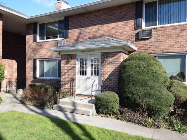 1 BR,  1.00 BTH Co-op style home in North Babylon