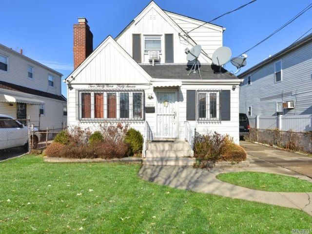 4 BR,  3.00 BTH Exp cape style home in Rosedale