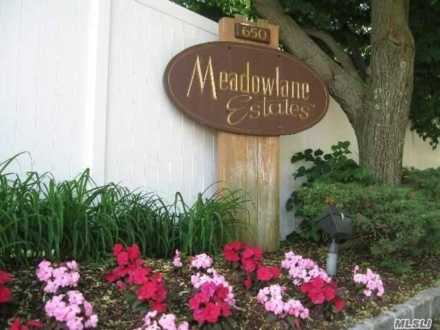 1 BR,  1.00 BTH Co-op style home in East Meadow