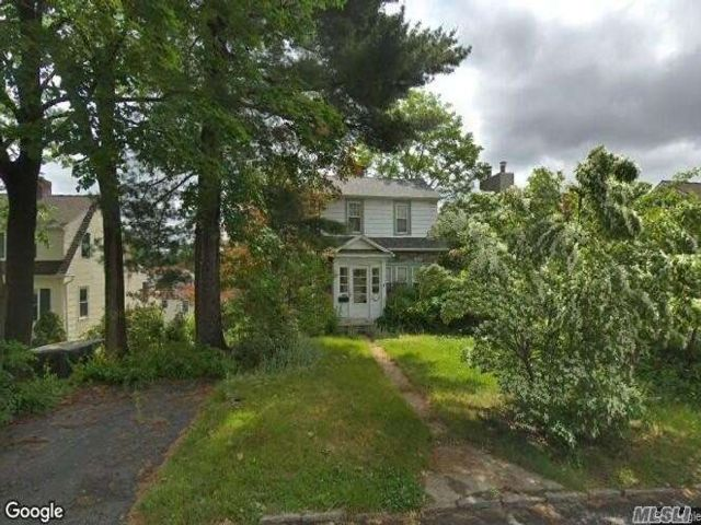 2 BR,  1.00 BTH Colonial style home in Edgemont