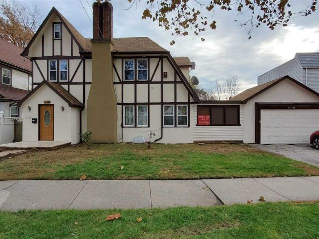 5 BR,  2.00 BTH Tudor style home in Flushing