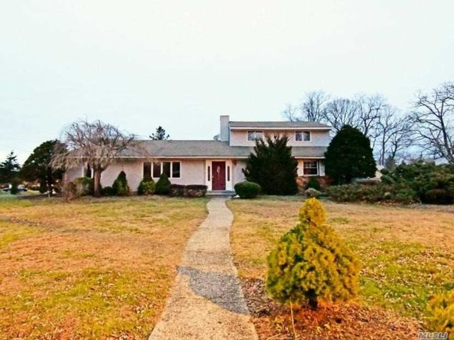 4 BR,  3.00 BTH Colonial style home in Port Jefferson Station