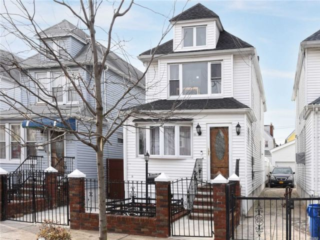 3 BR,  1.50 BTH  Colonial style home in South Ozone Park
