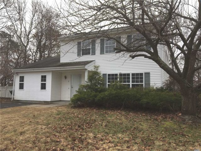 3 BR,  1.50 BTH  Colonial style home in Coram