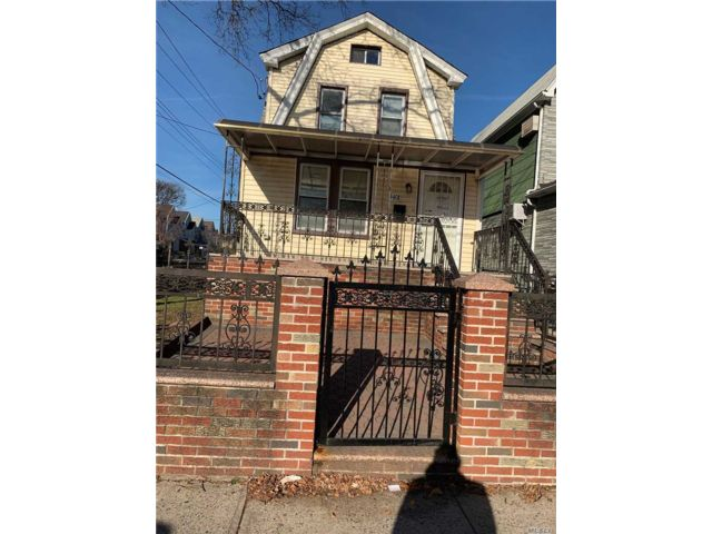 4 BR,  3.00 BTH  Colonial style home in Canarsie