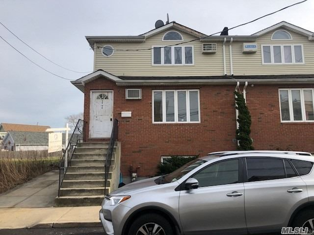 4 BR,  2.00 BTH  2 story style home in Howard Beach