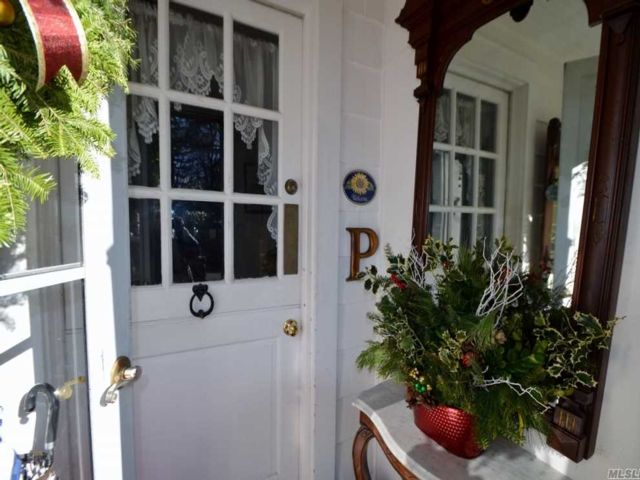 2 BR,  2.00 BTH  Cape style home in Sea Cliff