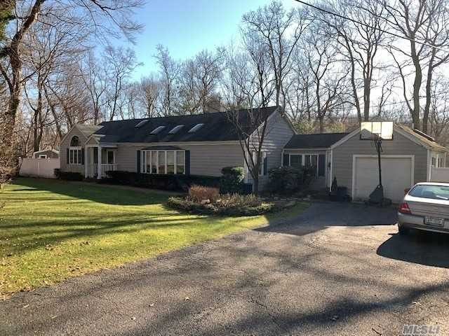 3 BR,  3.00 BTH  Ranch style home in Stony Brook