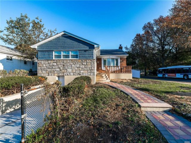 3 BR,  3.00 BTH Hi ranch style home in Rosedale