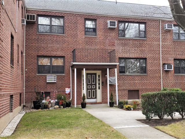 3 BR,  1.00 BTH  Co-op style home in Howard Beach