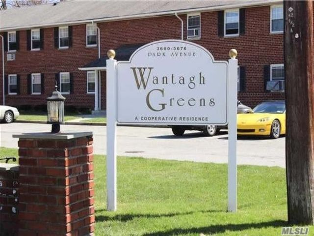 1 BR,  1.00 BTH Co-op style home in Wantagh