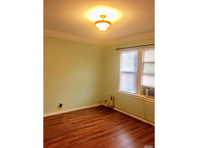 1 BR,  1.00 BTH Apt in house style home in Glendale