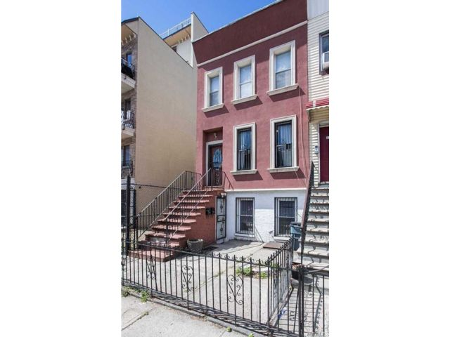 3 BR,  2.00 BTH  Townhouse style home in Bushwick