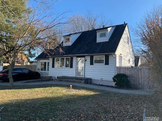 4 BR,  2.00 BTH Cape style home in Port Jefferson Station