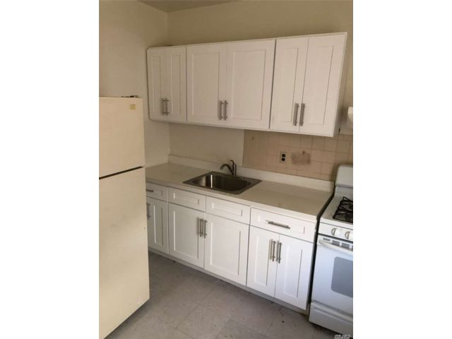 1 BR,  1.00 BTH  Colonial style home in South Ozone Park