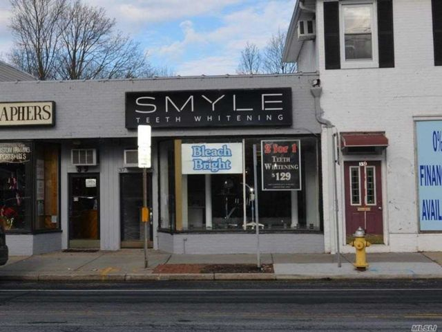 Studio,  0.00 BTH Small stores style home in Smithtown