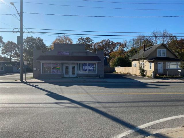 Studio,  0.00 BTH Mixed use style home in Mastic