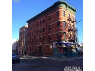 Studio,  0.00 BTH Mixed use style home in Long Island City