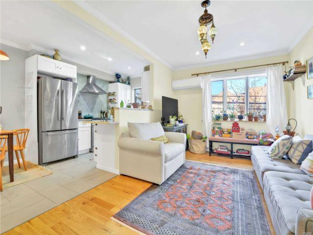 [Astoria Real Estate, listing number 3100924]