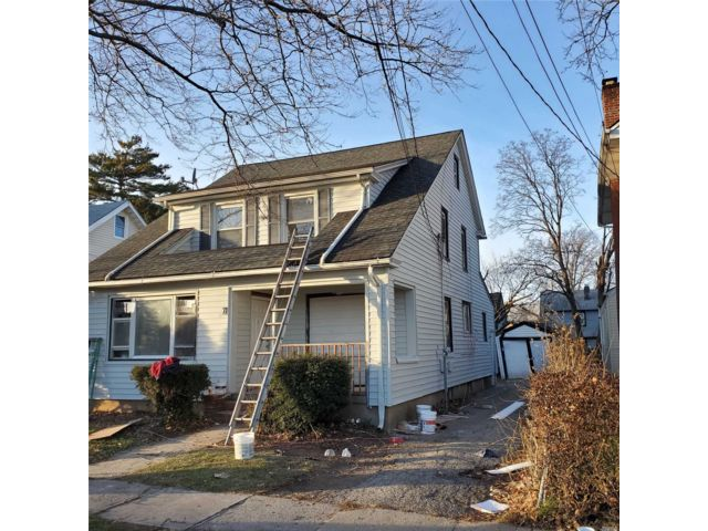 4 BR,  2.00 BTH Colonial style home in Hempstead