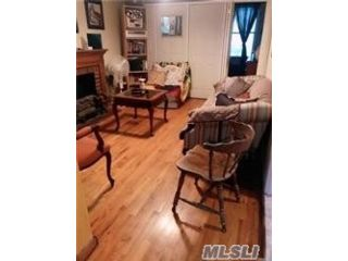 5 BR,  3.00 BTH  Other style home in Flushing