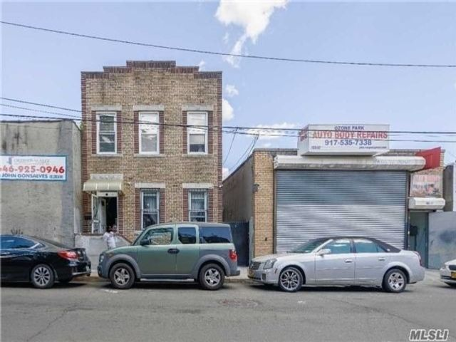 5 BR,  3.00 BTH Store+dwell style home in Ozone Park