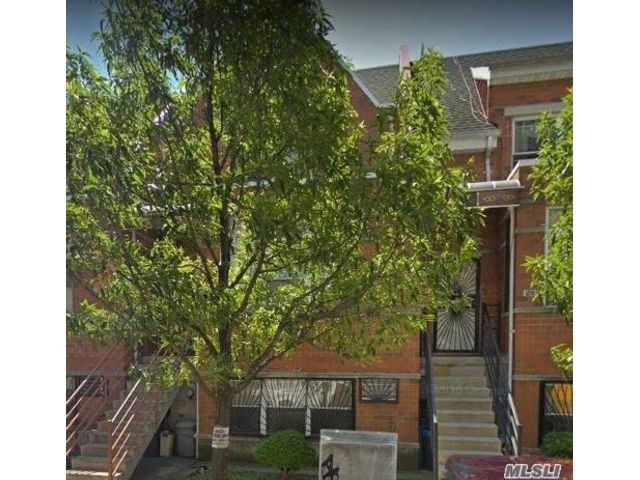 5 BR,  3.00 BTH  Colonial style home in Bedford Stuyvesant