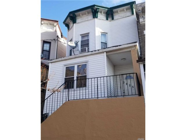 6 BR,  2.00 BTH  Colonial style home in East Elmhurst