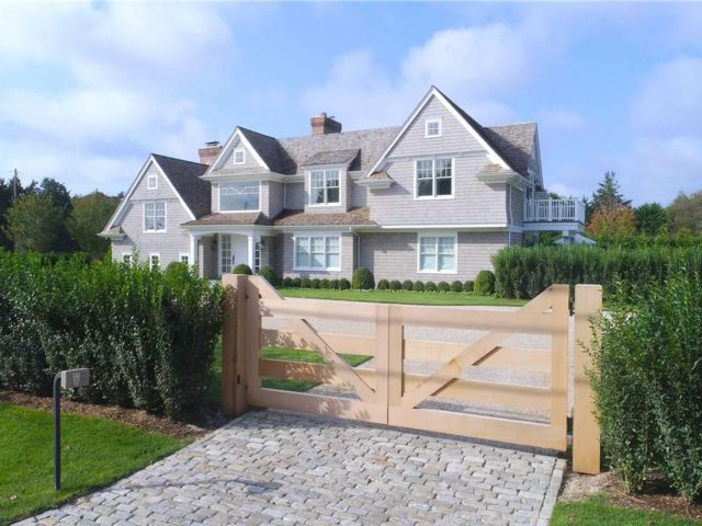 6 BR,  5.50 BTH  Post modern style home in Quogue