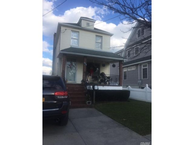 3 BR,  1.50 BTH Colonial style home in Belle Harbor