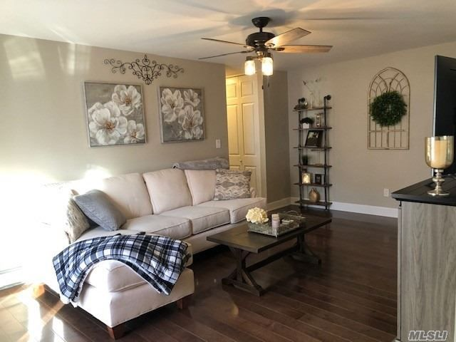 1 BR,  1.00 BTH Co-op style home in Patchogue