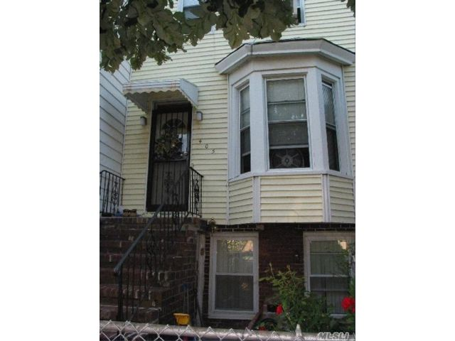 3 BR,  1.00 BTH Traditional style home in Kensington