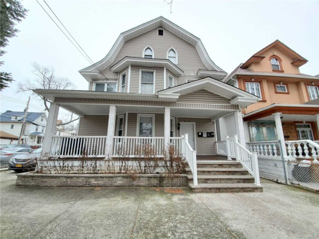 8 BR,  5.00 BTH  Victorian style home in Richmond Hill