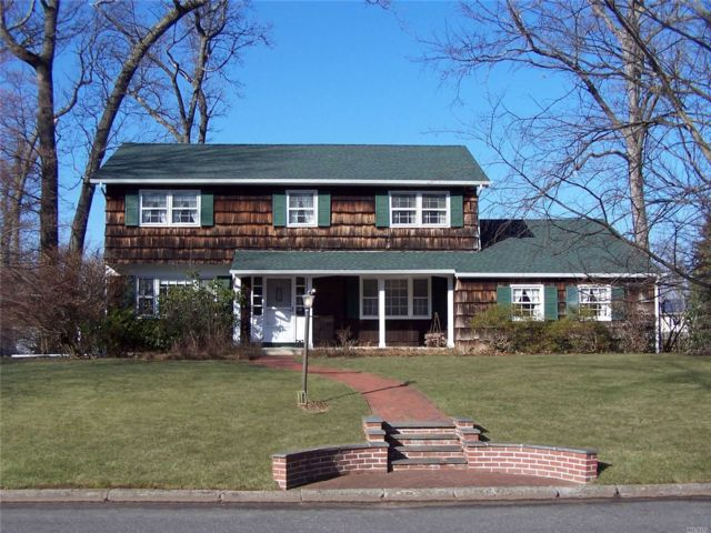4 BR,  2.50 BTH  Colonial style home in East Setauket