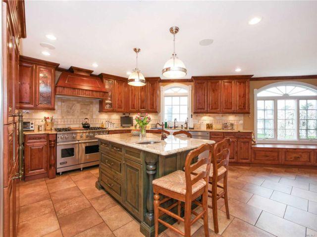 [Merrick Real Estate, listing number 3101443]