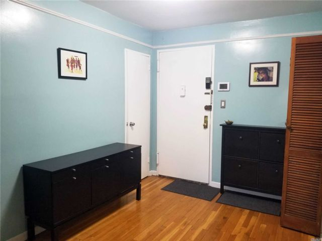 1 BR,  1.00 BTH Co-op style home in Elmhurst