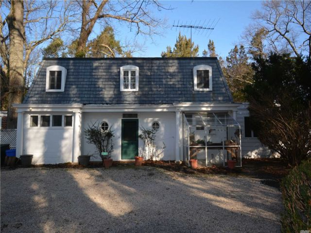 2 BR,  2.00 BTH Cottage style home in Nissequogue