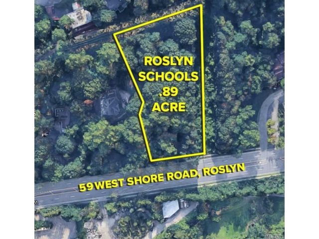 Lot <b>Size:</b> .89 Acres  Land style home in Roslyn