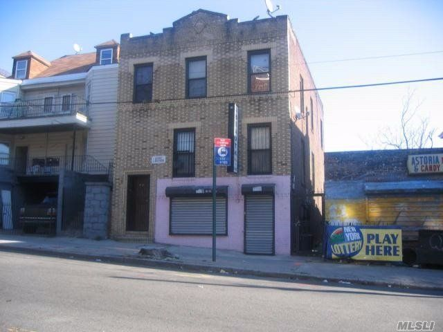 Lot <b>Size:</b> 28X75 Land style home in Astoria