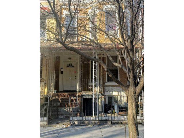 5 BR,  2.00 BTH Duplex style home in Cypress Hills