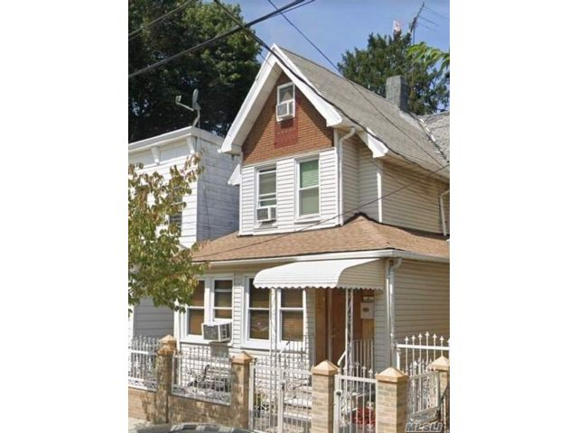 6 BR,  2.00 BTH  2 story style home in Richmond Hill