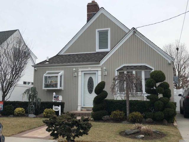 3 BR,  2.00 BTH Exp cape style home in Howard Beach
