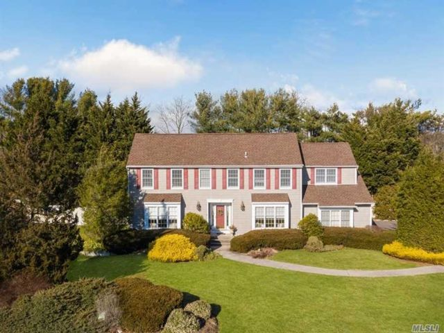 4 BR,  3.50 BTH Colonial style home in Stony Brook