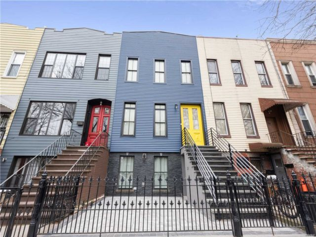 2 BR,  2.00 BTH  Colonial style home in Bushwick