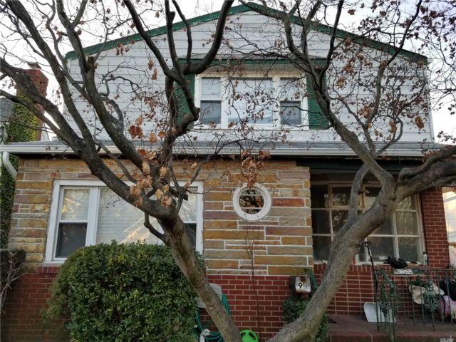 6 BR,  2.00 BTH Duplex style home in Port Washington